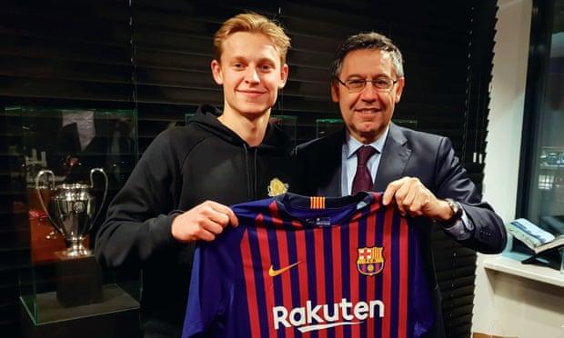 Barcelona Siap Lepas Pemain Demi Frenkie De Jong!